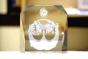 名入れクリスタル置き時計
